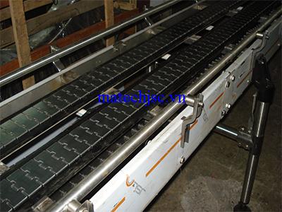 Băng tải xích bản lề inox dây truyền sản xuất cơ khí