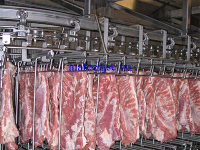 Băng tải xích treo nhà máy thực phẩm