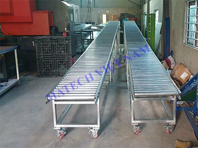 Băng tải con lăn thép mạ kẽm dài 10 mét