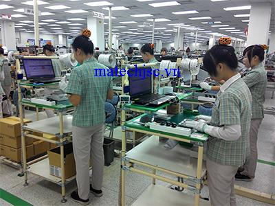 Bàn thao tác ống thép bọc nhựa tại Samsung