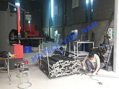 Hình ảnh sản xuất kệ trung tải tại xưởng Matech Việt Nam